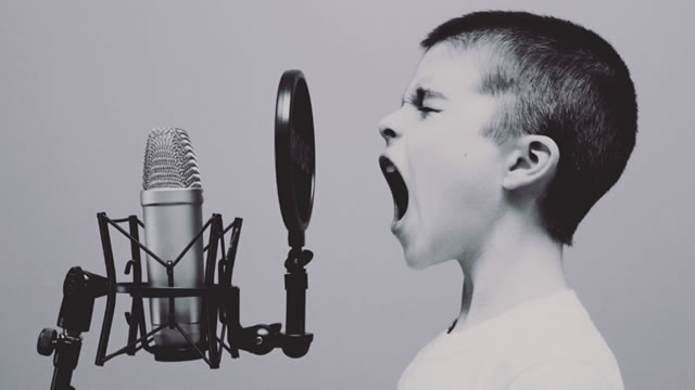 Guide to Becoming a Voiceover Artist